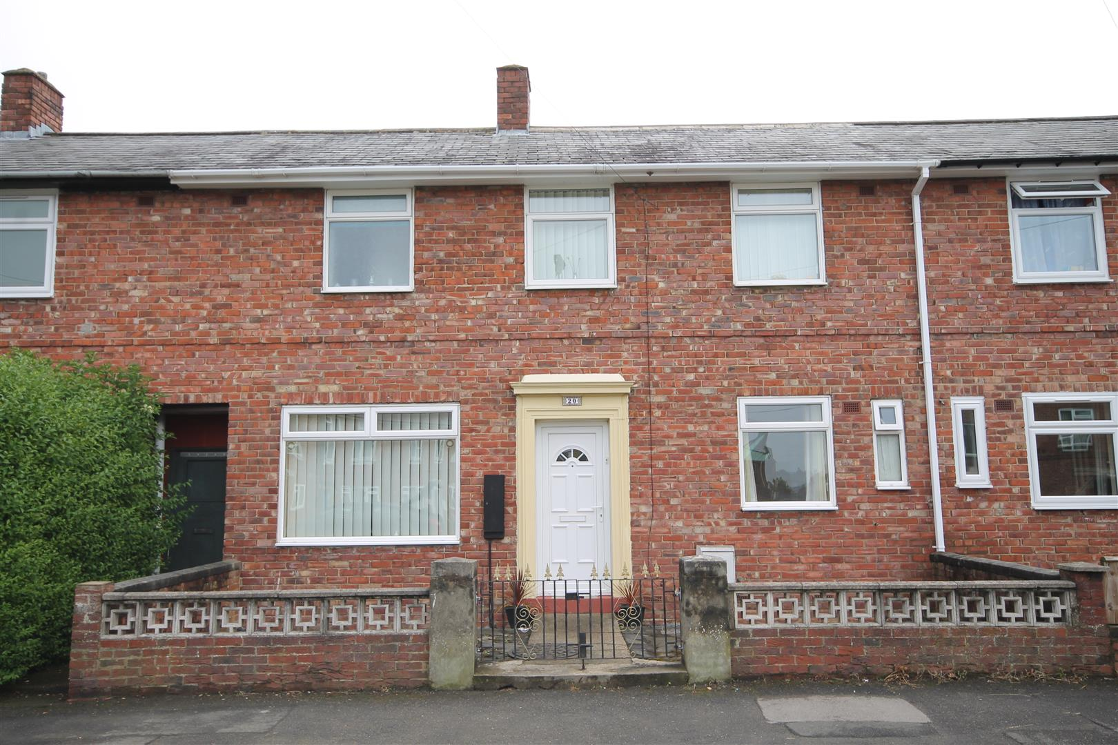 3 Bedrooms Terraced House for sale in Roosevelt Road, Durham